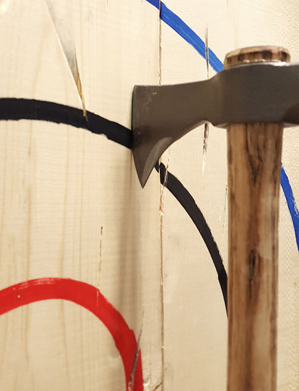 Axe throwing how to score a shot